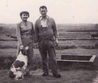 Pisciculture de Poulllaouen - Jean et Odette Ollivier, pionniers finistériens de la pisciculture et Rita - Années 1950